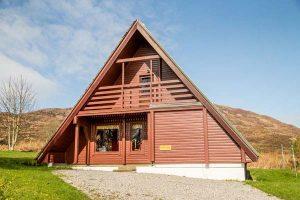 Ian's Lodge wooden cabin Kilchoan